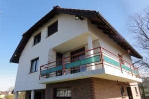 Dom z zewnątrz 25